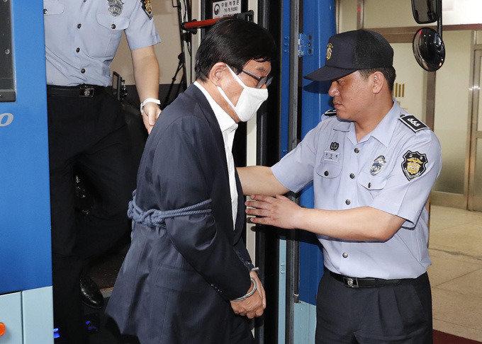 '盧-文파일 폭로, MB 구속, 보수 절멸' 3대 시나리오