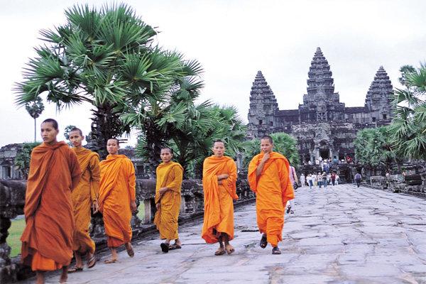 神의 세계로 들어가는 캄보디아 앙코르와트