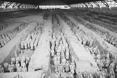 7천 兵馬俑1만 궁녀의 주지육림을  지키다