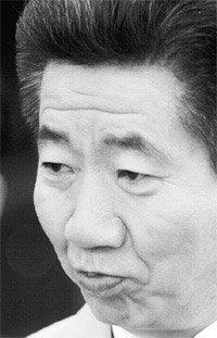 국회 소추 당한 노무현 정치 1년