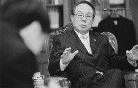 """박관용 국회의장 """"구두·명패 날아왔지만 피하고 싶은 생각 없었다"""""""