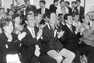 '진보 깃발 휘날리며' 민주노동당… 창당에서 국회 입성까지