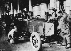 볼보자동차|'안전 신화'로 일군  名車의 전통