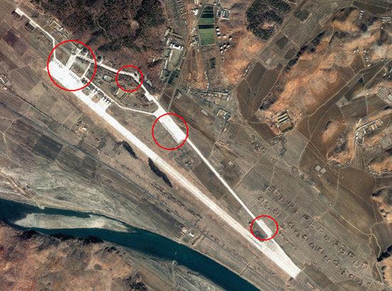 북한 핵심 해·공군기지 위성사진