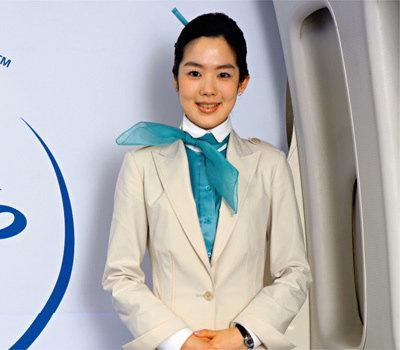 새 유니폼 모델 된 대한항공 승무원 박현아