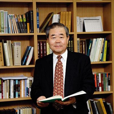 역사강좌로 인기 끄는 한국역사문화연구원장 이성무