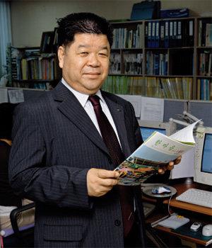 '성년후견제' 준비하는  한국장애인부모회 사무처장 권유상
