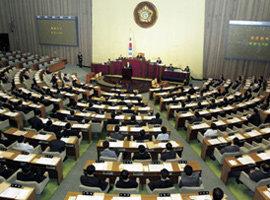 """통일지연 책임 소재- 열린우리당  """"美 67%"""", 한나라당  """"北 65%"""""""