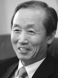사법 사상 첫 현직 인터뷰 이용훈 대법원장