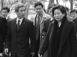 현대 김윤규 파문, 마카오 계좌 관련설