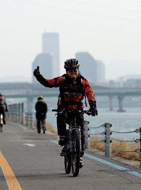 정신과 전문의 김병후 산악자전거