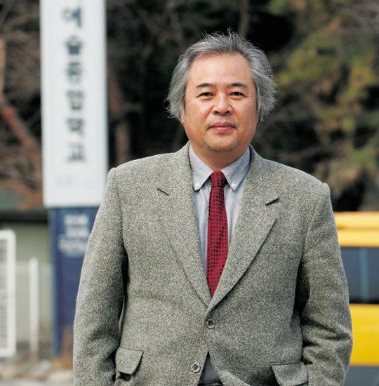 한국예술종합학교 총장 된 시인 황지우
