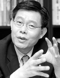 """""""이 정권의 기회주의적, 보신주의적 '이중 플레이 외교'가 한미 신뢰위기 자초""""'"""
