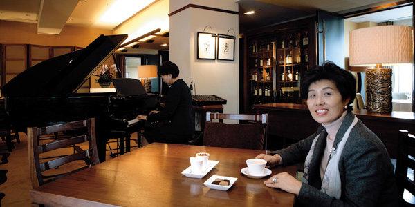 김향숙 전문직여성 한국연맹 회장과 그랜드인터컨티넨탈호텔 '테이블 34'