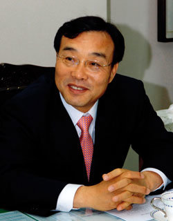 지방자치경영대상 최고경영자상 받은 전북 고창군수 이강수