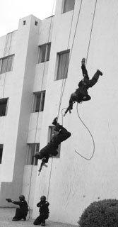 한국군 최초 대(對)테러부대 606부대 秘史