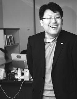 의협 대변인 3개월 만에 사퇴한 '시골의사'  박경철