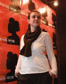 일본군 위안부 사연으로 연극 만든 오스트리아 연출가 아이다  카릭