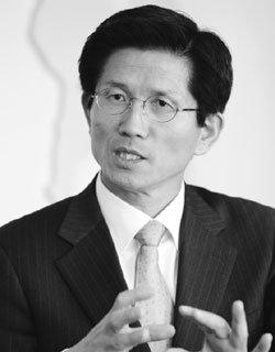 수도권 규제완화 선봉 자임한 경기도지사 김문수