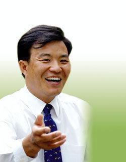 14년 만의 '脫南' 한반도평화번영연구소 소장 김형덕