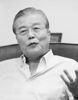 김종인 전 청와대 경제수석의 'MB경제팀 아마추어리즘 비판'