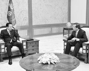 '박영준과 의형제 맺은 숨은 실세' 김대식 민주평통 사무처장