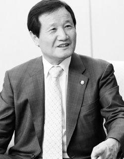윤증현 기획재정부 장관 직격 토로
