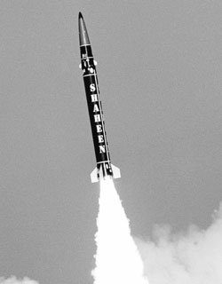 북한 핵탄두 소형화 능력 추적
