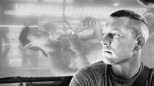 Cameron Returns to Director`′s Chair With ` 'Avatar`'