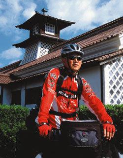 자전거 타고 일본 종주한 60대 여행가 차백성