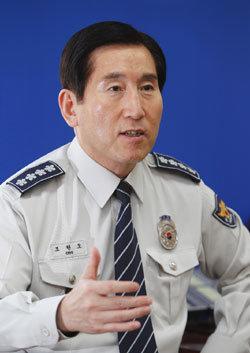 '7大 경찰개혁'고삐 조이는 조현오 경찰청장