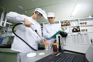 """연구소 건립, R&D 투자 확충… """"글로벌 시장 공략으로 성장 동력 찾겠다"""""""