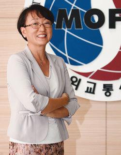 외교부 최초 여성 공보과장 유복렬