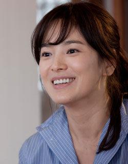 스크린으로 돌아온 만인의 연인 송혜교