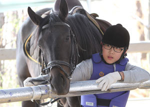 말 산업 육성에 박차 직접 타고 키우는 말에 승부 건다