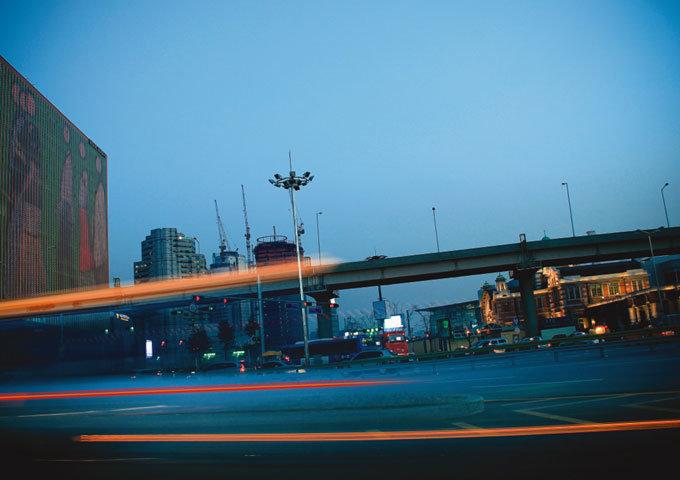 서울 중심가와 강남을 잇는 교통 요지 한강대로