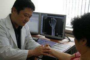 손이 타는 듯한 통증 '손목터널증후군' 아시나요?
