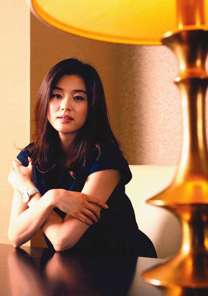 섹시·우아의 이중주 영화 '도둑들' 헤로인 전지현