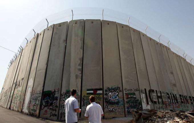 神의 나라는 콘크리트 장벽과 폭탄테러 너머에