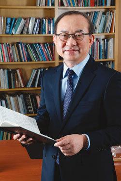 건축가 출신 한국예술종합학교 신임 총장  김봉렬
