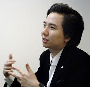신문 15개 읽는 '활자중독' 신동아 정치기사 '광팬'