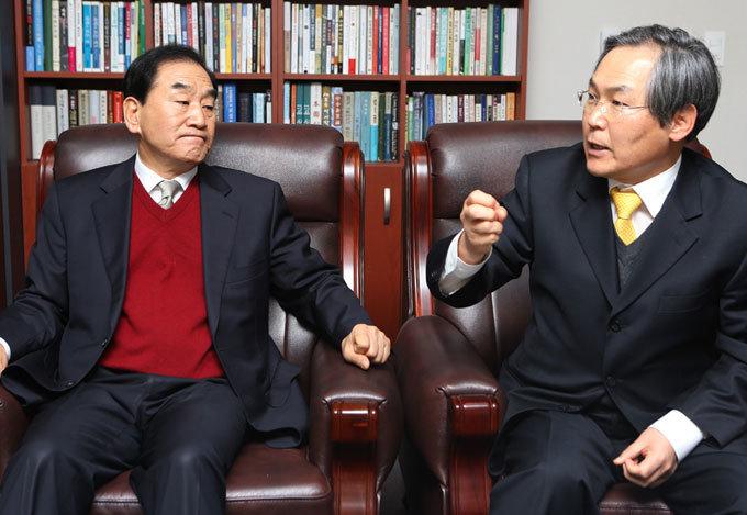 """""""개헌 논의가 블랙홀? 대통령이 하기 나름"""""""