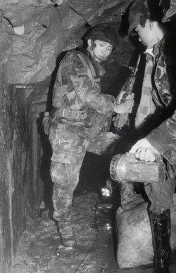 한강 밑으로 파놓은 땅굴 통해 개전 3일 만에 한반도 장악