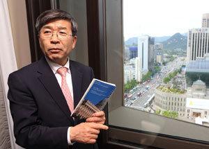 '미국의 힘' 이용해 '우경화 일본' 움직여야