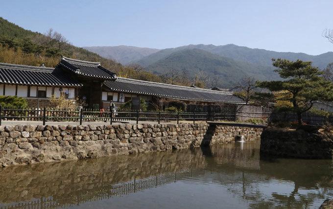 최부잣집 '곡간 풍수'와 운조루 '물 풍수'