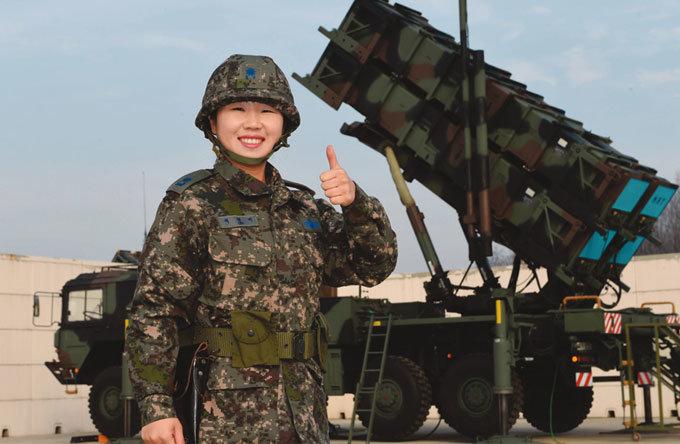 여군 첫 방공포대장 이영미 소령