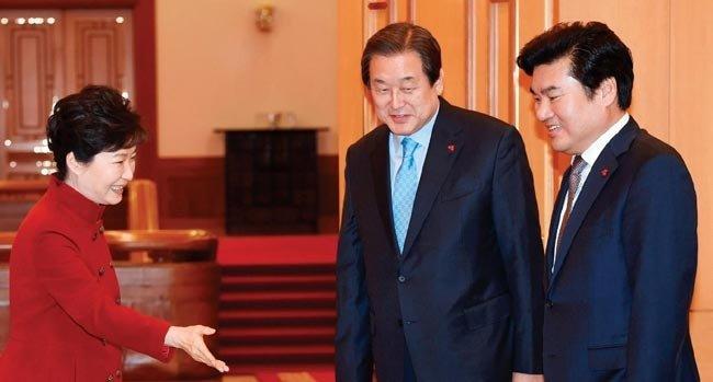 '왕좌의 게임'에서 밀린 김무성