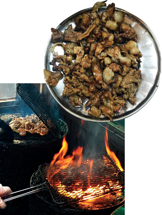 궁극의 불맛 돼지불고기, 맵고 저렴한 떡볶이