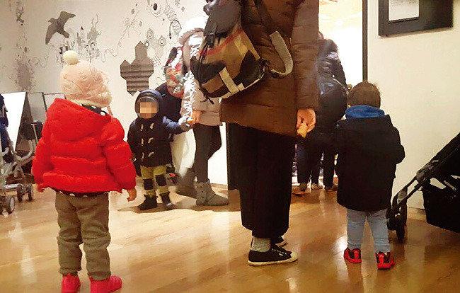 """생후 6개월도 """"G, 검, 그레이프, 글루…"""""""