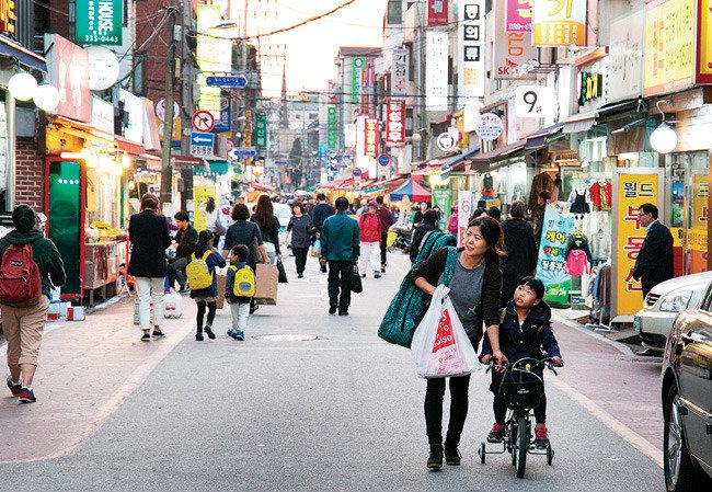 """박소현 서울대 건축학과 교수 """"걷기 좋은 동네는 미래 도시설계의 화두"""""""